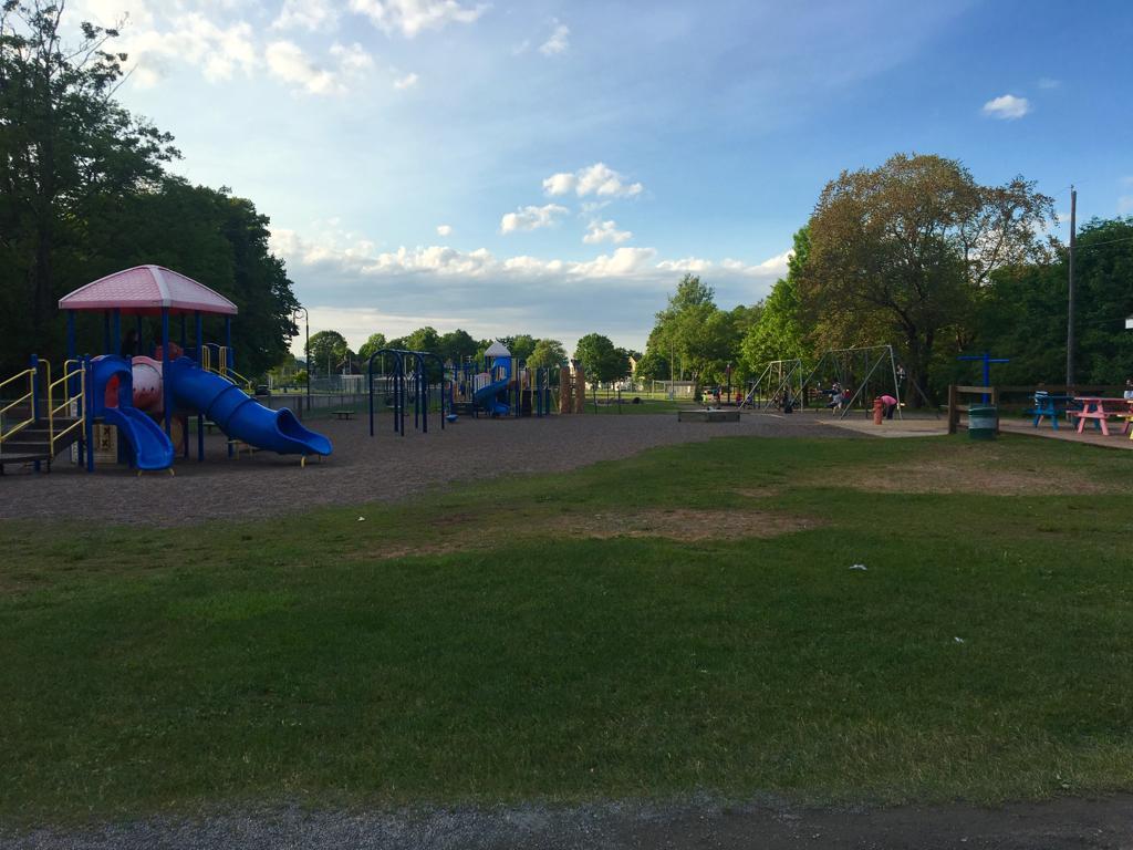 victoria park_unravelwithtolu-kinsmenplayground